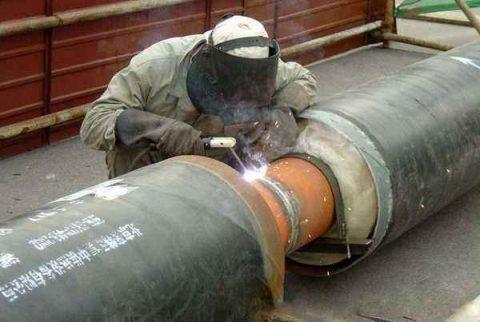 Welding of heat supply pipeline