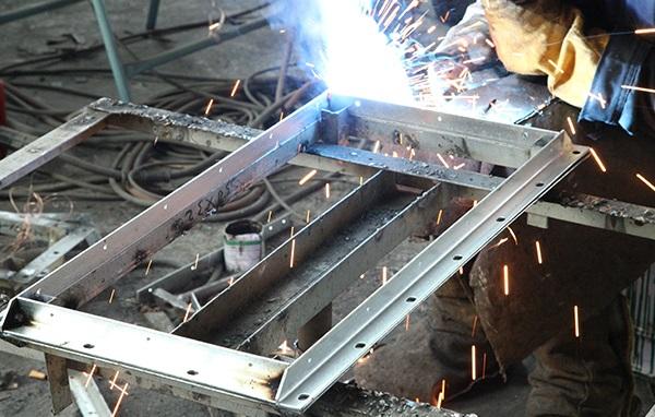 Welding of angle flange